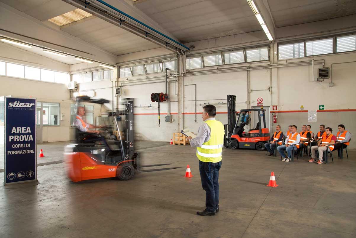 Corso di formazione per l'utilizzo del carrello elevatore
